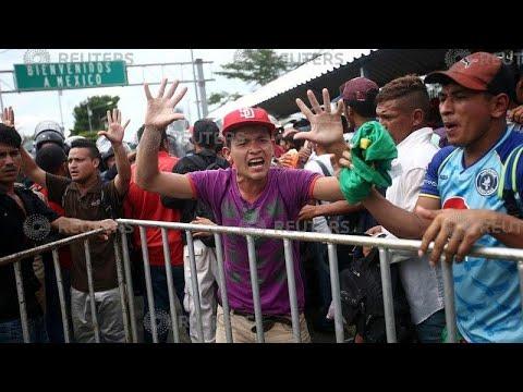 """La """"caravane des migrants"""" honduriens a forcé la frontière mexicaine"""