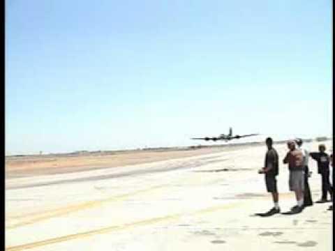 Massive 1/6th scale RC B-17 - default