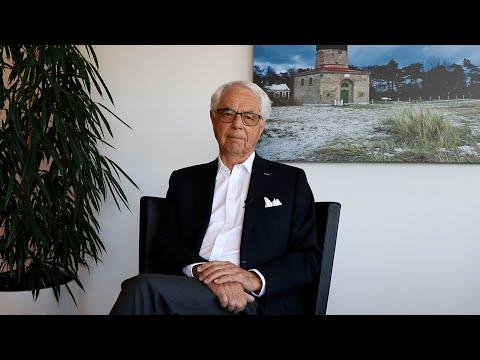 Göran Grosskopf tackar av Mats Paulsson