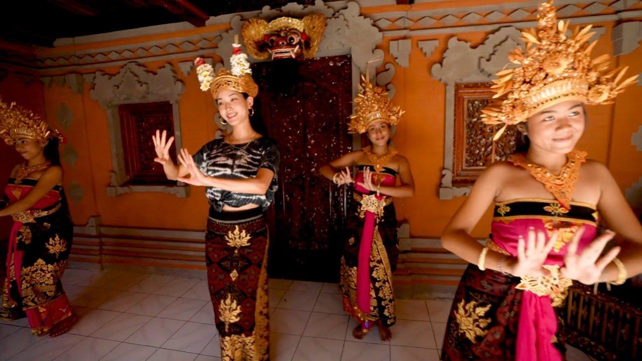 Hyunjoo Hwang Learns Traditional Balinese Dance