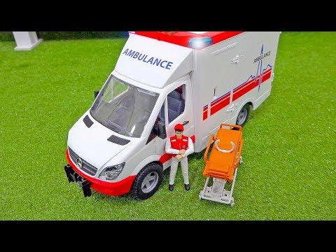 중장비 자동차 장난감 구출놀이 도와주기 구급차 경찰놀이 Ambulance Car Toy Helps Excavator