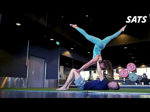 Partner workouts | Yoga challenges for couples | SATS