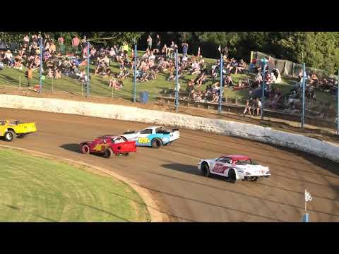 First heat of Saloons at Waikaraka Park Speedway 19 Jan 2019 - dirt track racing video image