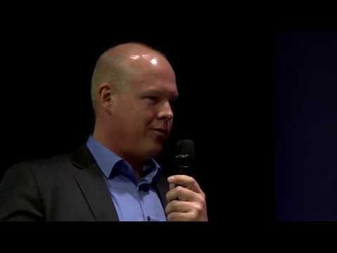 "Live Talk ""More than a plug - the next generation of a CEE plug"""