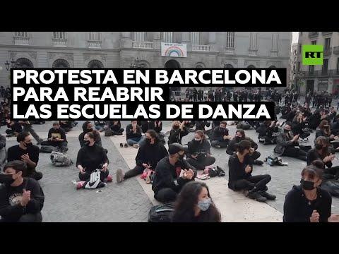 Protesta en Barcelona para reabrir las escuelas de danza
