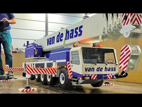 LARGEST XXXL 150KG RC SCALE 1:8 MODEL MOBILE CAR CRANE AT WORK AND IN MOTION - UCNv8pE-nHTAAp77nXiAB9AA