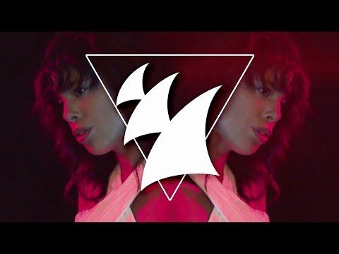 Pyramids In Paris x David Zowie feat Esty Leone - Main Attraction (Official Music Video) - UCGZXYc32ri4D0gSLPf2pZXQ