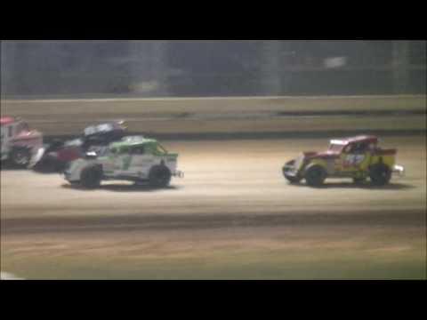 @SharonSpdwy Sportsman Dwarf Car Feature - dirt track racing video image
