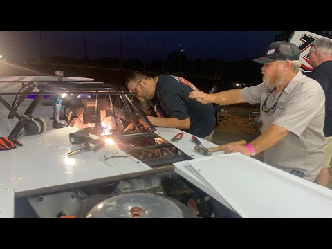 Fist Fighting in the Street Stock at Hattiesburg Speedway - dirt track racing video image
