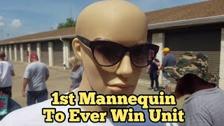 MANNEQUIN WINS AUCTION I Bought An Abandoned Storage Unit Locker Auction / Opening Mystery Boxes