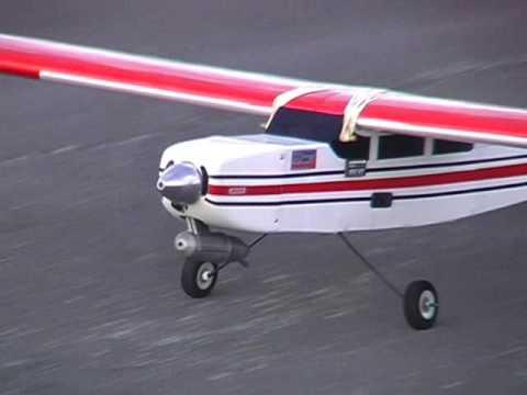 Super short circuits flown with an RC model plane (Richard) - UCQ2sg7vS7JkxKwtZuFZzn-g
