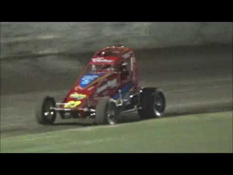 Wingless Sprints Feature Race at Castrol Edge Lismore Speedway. 01.12.18 - dirt track racing video image