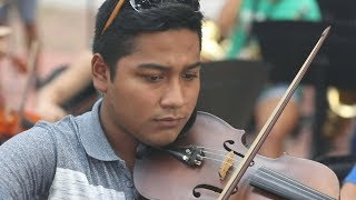 Orchestra offers Mexican youth alternative to violence