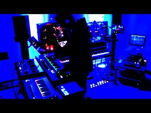 Rheyne - Live Jam #186 (live looping with Ableton Live)