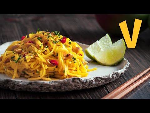 Spicy Mango Salad | The Vegan Corner
