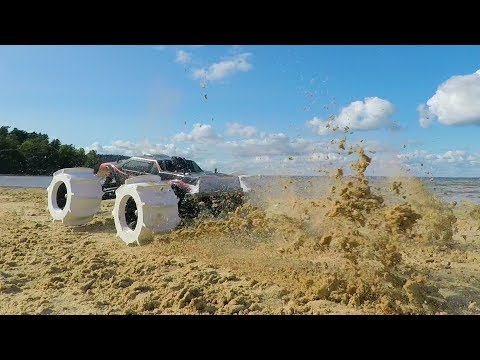 3D Printed Hydroplaning RC Car Tires - Driving on Sand!