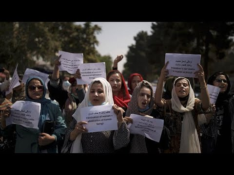 Afgán kormány: a miniszter-helyettesek között sem találni nőt