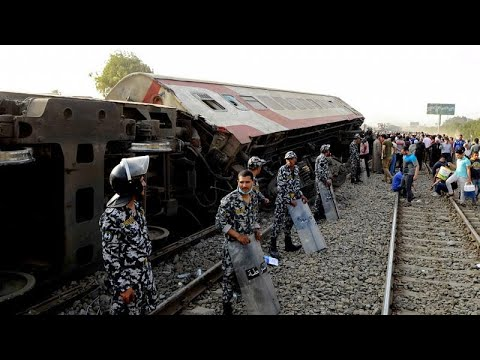 At least 11 killed and close to 100 injured in train crash close to Cairo, Egypt