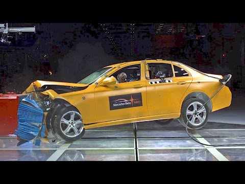 NEW Mercedes Safety Center - 2017 E-Class CRASH TEST