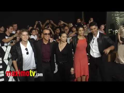 "Jean-Claude Van Damme at ""The Expendables 2"" Los Angeles Premiere ARRIVALS - UCybF_bgvjVTAPIm8HT-TNdQ"