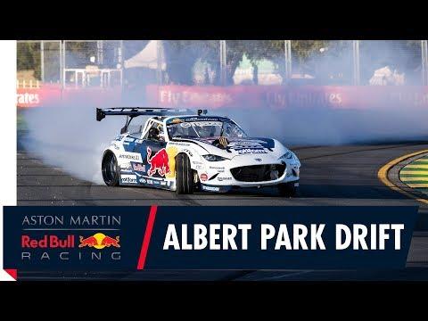 "Catch our drift Melbourne"" | Daniel Ricciardo meets Mad Mike for an Albert Park drift!"