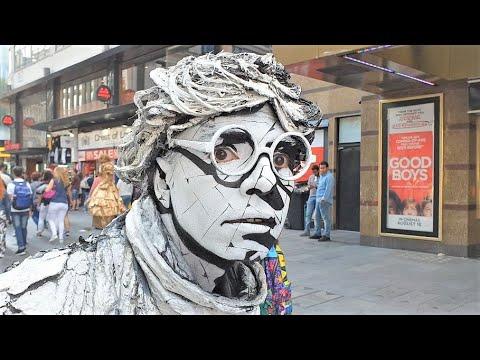 AMAZING Living Human Statue | Street Entertainer | London - UCo0vDM9bA_IcPMk05_ZUfIQ