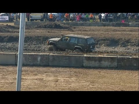 Underdog Prevails as Kid Refuses to Give Up in Mudbog