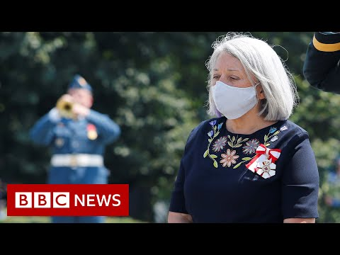 Canada swears in first indigenous governor general - BBC News