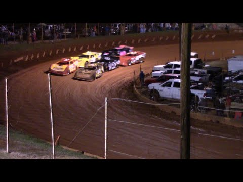 Hobby Race opening night at the Winder Barrow Speedway - dirt track racing video image