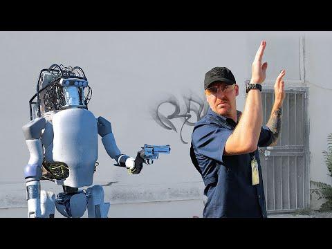 Artık Boston Dynamics videolarına da güvenmemek lazım :)