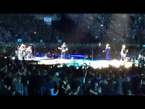 U2 in VANCOUVER! JOSHUA TREE 2017...Pride (In The Name Of Love)... (full song from side of stage!)