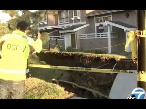 Breaking: Apocalyptic Sinkhole Opens Up California