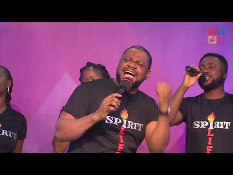 Pressing On: Praise And Worship By Foursquare VGC Choir