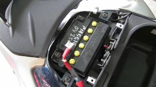 Sostituzione batteria Piaggio Beverly 250