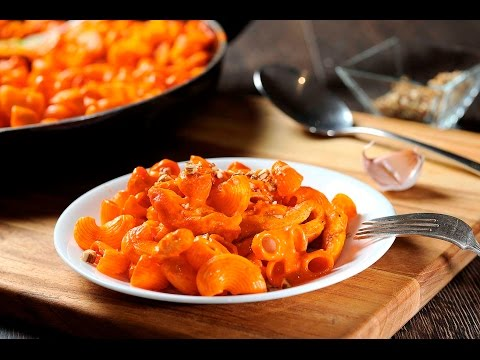 Codo con pollo en salsa de pimiento - Receta fácil y económica - UCvg_5WAbGznrT5qMZjaXFGA