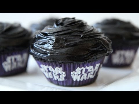 Darth Velvet Cupcakes - Star Wars - Darth Vader - Geek Week Special Recipe - UCOC87AIBm2ul1metht5fY2A