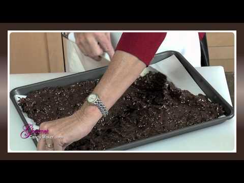 Dark Chocolate Roasted Almond Cranberry Bark - UCtlqTei1y4Pgj7muvAIq7xA