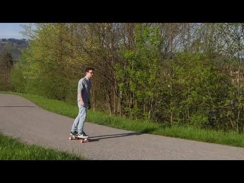 Riding Bolt: the Smallest Electric Skateboard in the World - UC0hfGS4F-RsJMmR8rWjEC2w