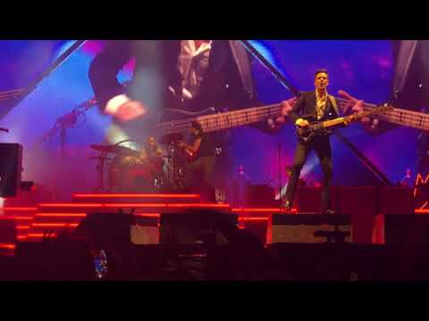 The Killers Bring Young Girl On Stage To Play Drums - UCS55ogqUqZ5ZGnemjQnAenQ