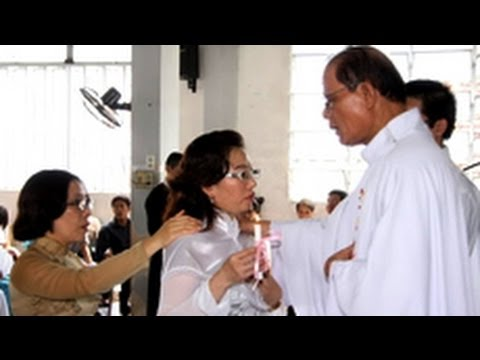 LM Chân Tín muốn vào tù xức dầu cho Tạ Phong Tần. Al-Qaeda từng bắt cóc quan Iran