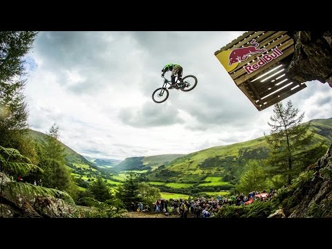 Hardcore Downhill MTB Racing - Red Bull Hardline 2015 - UCXqlds5f7B2OOs9vQuevl4A