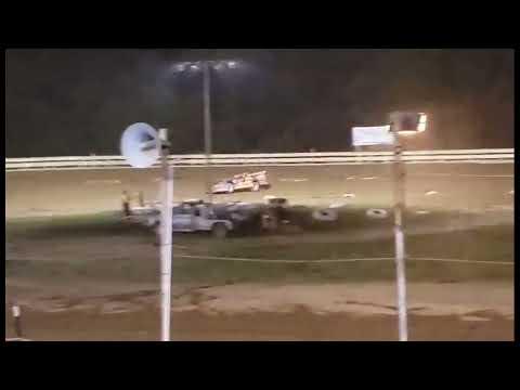 Hummingbird Speedway (9-4-21): Swanson Heavy Truck Repair Semi Late Model Feature - dirt track racing video image