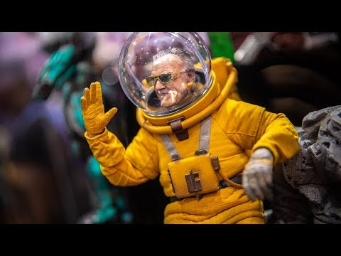 Hot Toys Figures at Comic-Con 2019! - UCiDJtJKMICpb9B1qf7qjEOA