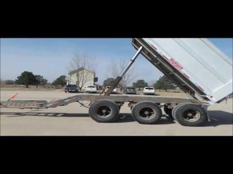 1992 Cornhusker 800 end dump trailer for sale | no-reserve Internet auction April 13, 2017