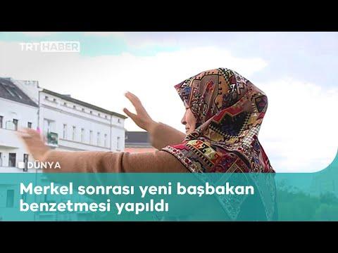 Almanya'da balkonundan kalabalığı selamlayan Ayşe teyze TRT Haber'e konuştu