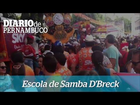 A Escola de Samba DBreck anima os foli�es em Olinda