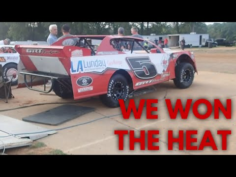 Heat race at the Duck www.hollisfarms.com - dirt track racing video image