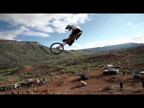 Rampage riders tear up dirt jumps for an epic session - UCblfuW_4rakIf2h6aqANefA