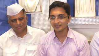 Mumbai Dabbawalas gift Silver to Prince Archie
