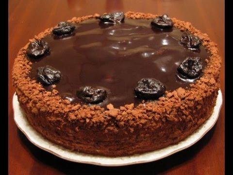 Торт шоколадно-медовый с черносливом
